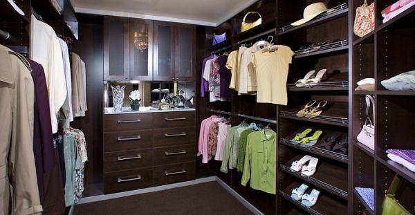 Walk In Closet Pequenos Con Baño: walk in closet Si los muebles usados son de colores oscuros