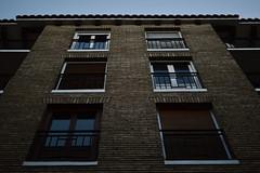 42 (Alexis Lahache) Tags: street windows spain zaragoza espagne immeuble saragosse
