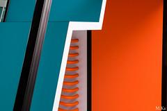 La_defense_0916-28 (Mich.Ka) Tags: paris absrtait abstract color couleur geometric geometrique grafic graphique ladefense ligne line minimalisme minimaliste urbain urban