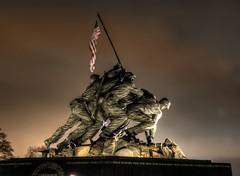 Marine Corps Memorial (Sabreur76) Tags: sculpture monument statue usmc bronze geotagged virginia memorial worldwarii hdr iwojimamemorial iwojima vicen arlignton unitedstatesmarinecorps marinecorpswarmemorial photomatix marinecorpsmemorial joerosenthal abigfave nikond80 mountsuribachi felixwdeweldon feli pacificcampaign horacewpeaslee tamron18270 sabreur76 vicenfeli geo:lat=38890415 geo:lon=77069929
