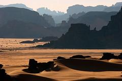 Distant Canyons (hapulcu) Tags: sahara algeria algerie argelia dz tadrart djanet illizi tinmerzouga absolutelystunningscapes yourwonderland