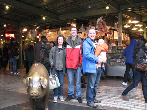 Group picture at Pike Place Market near brass pig
