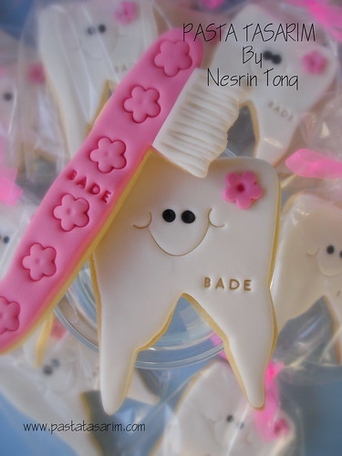 TOOTH AND TOOTHBRUSH COOKIES- GIRLS
