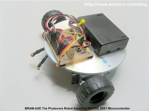 Build Your Own Simple and Easy PICAXE Microcontroller Based Photovore Robot  01
