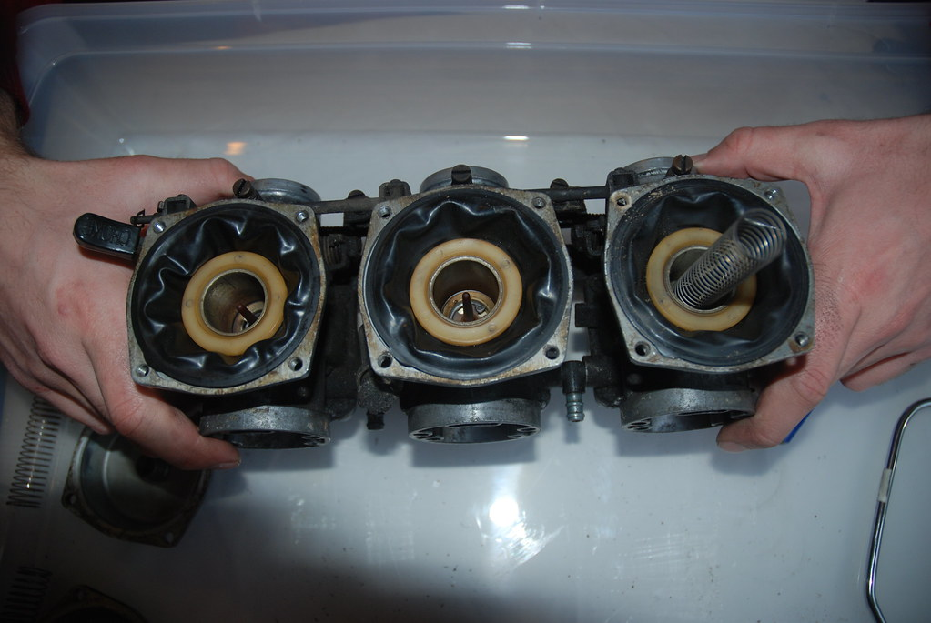 Tops off showing diaphragms