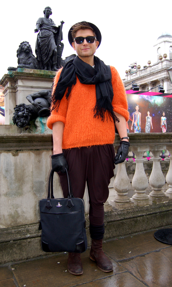 orange_jumper_London_Fashion_Week