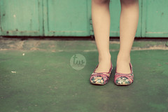 IMG_4174a (triShwong) Tags: colors girl smile children model shoes dress young