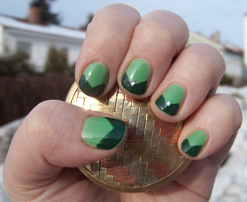 design of Changeling Chevrons nailart