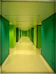 Couloir 3 - Corridor 3 - A4 Jussieu 2 (Zinaida Beaumont (lot of work at the office)) Tags: paris france green frankreich university universit corridor vert grn couloir jussieu rl upmc parisvi universitpierreetmariecurie