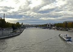 la seine Paris (mouttetg) Tags: paris seine pniche pontalexandreiii