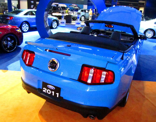 Ford Mustang 2011 rear (blue)