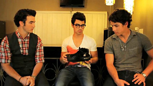 Jonas-Brothers-One-Day-Without-Shoes