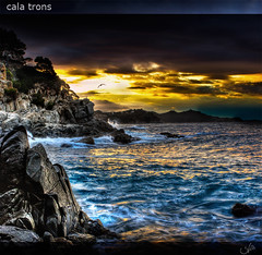 cala trons (bernard_vila) Tags: longexposure sunset costa seascape colour beach photoshop canon atardecer raw catalunya canon1740lf4 40d manfrotto190xprob