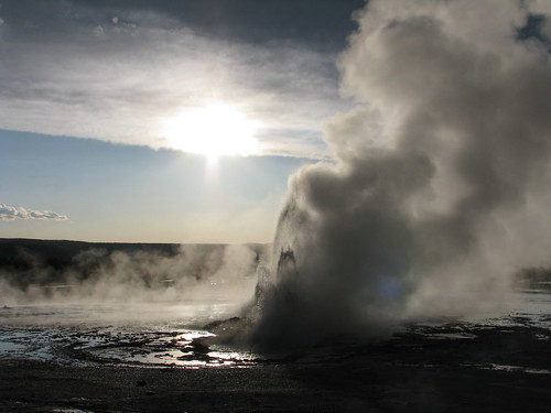 clepsydra geyser in the sun