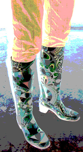 PB121578-2009-11-12-Astolfi-Cozine-Boots-1712x1712-Posterzed-Inverted