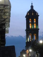 glorious Puebla (sftrajan) Tags: tower mxico torre cathedral catedral belltower unescoworldheritagesite unescoworldheritage unescowelterbe patrimoniodelahumanidad angelopolis puebladelosangeles patrimoinemondial puebladezaragoza  puebladelosngeles cuetlaxcpan cathedralofpuebla catedralmetropolitanadenuestraseoradelapursimaconcepcin  hericapuebladezaragoza   dnyamiraslar