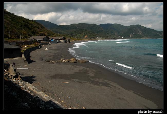 多數海岸已有休閒、露營規劃,已經破壞原貌的低度開發,BOT再來就是高度開發。(台東,成功)
