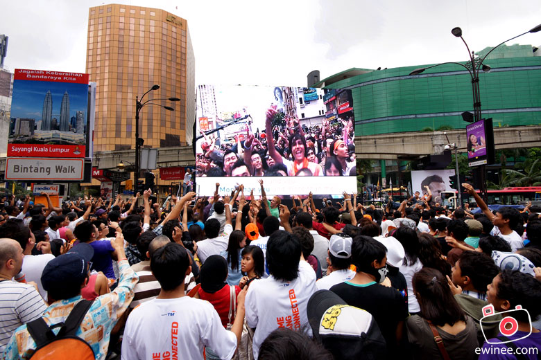 TM-EveryoneConnects-Jalan-Bukit-Bintang-FreeGIFTS