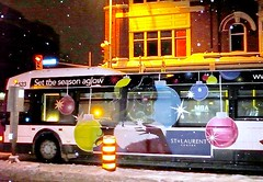 holiday bus in Ottawa (by: Mikey G, creative commons license)