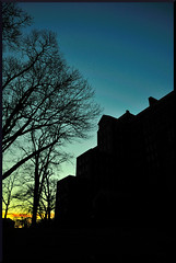 Psychiatric Blues (wowography.com) Tags: blue sky color green silhouette thanks suffolk nikon flickr longisland haunted spooky handheld kingspark paranormal kingsparkpsychiatriccenter kppc d90 wowography building93 18105mm longislandphoto tomreese tr11787 wowographycom