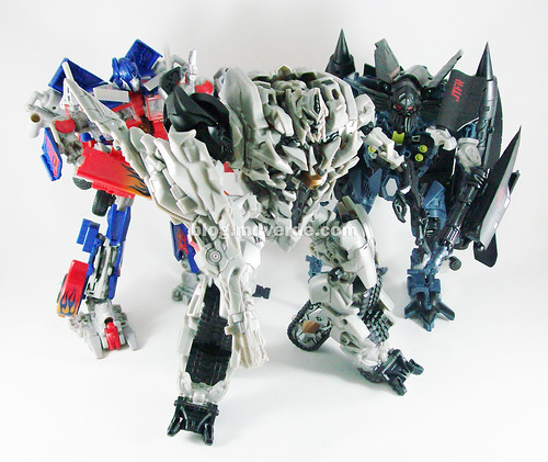 Transformers Megatron RotF Leader vs Optimus vs Jetfire - modo robot