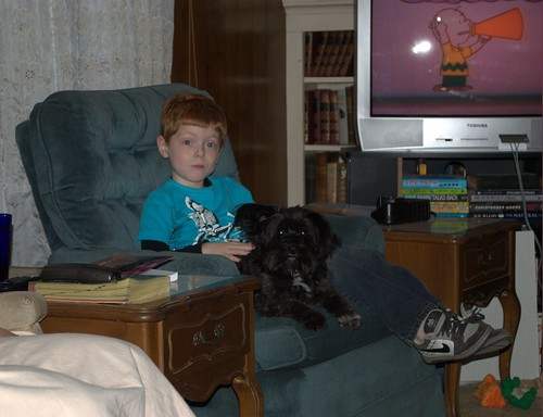 Austin and Clemmy watch Peanuts Christmas