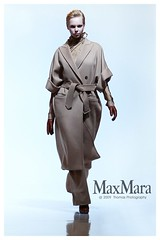 MaxMara_01 (Thomas-san) Tags: portrait sexy girl beautiful beauty fashion lady female canon pose asian photography japanese model glamour women pretty sweet chinese style malaysia attractive runway glamor manis maxmara   cantik     asianbeauty kualallumpur gadis   mifw  thomassan eos5dmk2 cewak   mifa2009