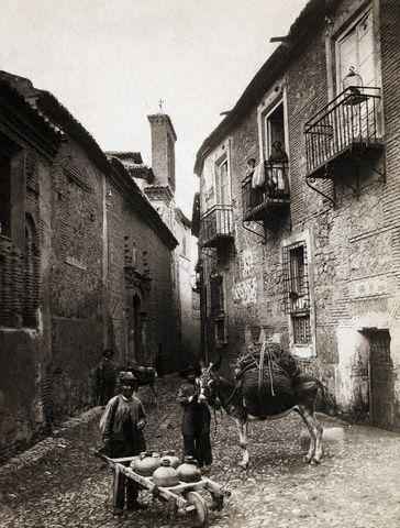 Plaza de Santa Isabel hacia 1890. Image by © Bettmann/CORBIS
