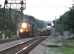 Evening wetview,  Q188 (clarkfred33) Tags: evening lakeland winston csx freighttrain railroadsignal diesellocomotive tofc containertrain q188 floridarailroad cameratelephoto