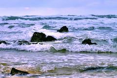 Santoa 14 (gatogrunge) Tags: travel viaje sea landscape mar agua nikon playa paisaje d200 olas santander rocas cantabria santoa berriz golddragon mywinners abigfave anawesomeshot impressedbeauty goldstaraward