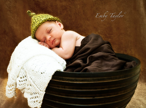 Big bowl of Cayden Watermark Charlotte Concord Kannapolis Huntersville Cornelius Newborn Photography Boy
