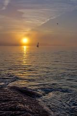 Lever du soleil sur Quiberon (quibe5675) Tags: brouillard soleil lever or orange gold up sun entry port haliguen fog erhöhen sonne input naranja oro elevar sol puerto de entrada оранжевый золото повышать солнце входной порт вог bretagne france