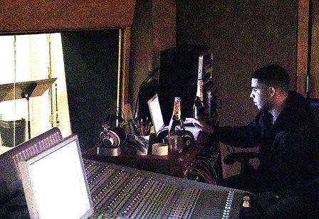 drake-in-studio