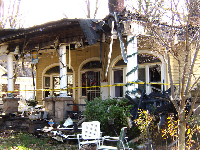PB281998-2009-11-28-Whiteford-Ave-Fire-Porch-Triple-Arches