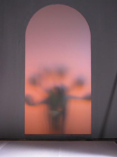 """Nghệ sĩ ưu tú Krzysztof Wodiczko, tác giả tác phẩm """"Các vị khách"""" đưa người Việt trở thành đề tài quan trọng trong tác phẩm nghệ thuật độc đáo dự thi cuộc thi nghệ thuật lớn nhất thế giới tại Venice"""