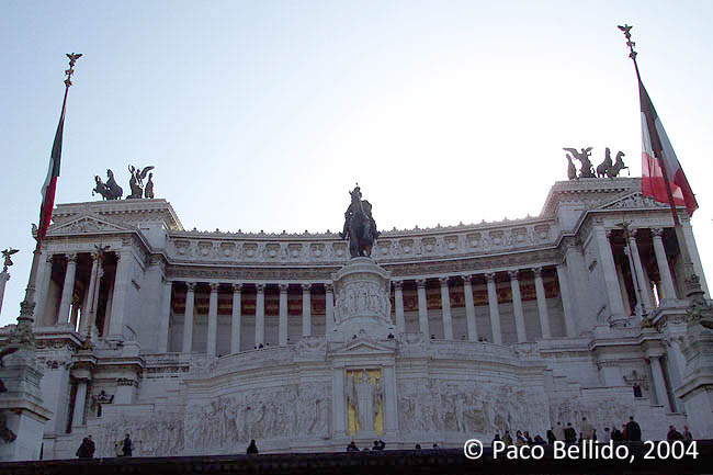 Monumento a Vittorio Emanuele II. © Paco Bellido, 2004