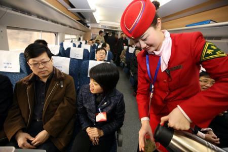 郑西高铁上的星级服务