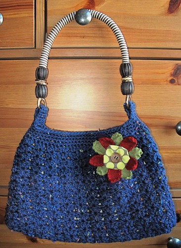 Hobo bag with handmade flower pin