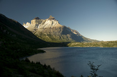Cuernos del Paine - Patagonia (Priscila de Cássia) Tags: chile patagonia torresdelpainenationalpark cuernosdelpaine nikond90 beginnerdigitalphotographychallengewinner