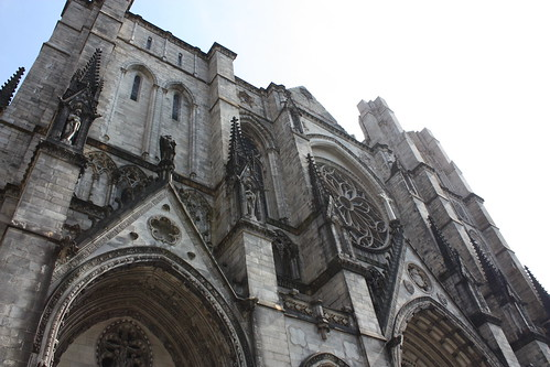 The cathedral is huge, so its actually impossible to get a full-shot of it from a lot of angles. (Thats what she said!)