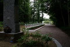 Cimetire des Martyrs (CpaKmoi) Tags: france nazi bretagne martyrs guerre cimetire charpentier cotesdarmor resistant