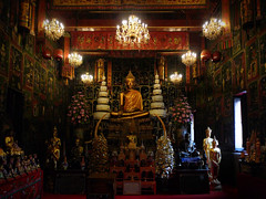 A temple related to a love myth (Bn) Tags: hand finger buddhist unesco monks ayutthaya chaophrayariver goldenbuddha vihara worldheritagesites amazingthailand worshippers werelderfgoed luangpoto goldenfinger cityofkings menamriver worldheritagemonuments strongestpowerinindochina wealthiestcityintheeast formercapitalofthailand siamesekingdom friendlytowardsforeigntraders theruinsofthehistoriccityofayutthaya kingdomayutthaya 19mhighbuddhastatue buidin1324 enormousgoldenbuddha 57feettall stopoverforriverboatcruises alongthemaenamchaophraya seatedbuddhaimage mostreveredbytheinhabitantsofayutthaya watphrachaophananchoeng watpanangchoeng beforethefoundingofayutthaya thismonasterylocatedsouthofphranakhonsiayutthaya