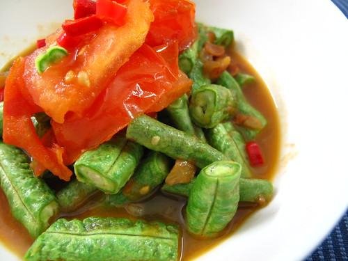 IMG_4110 豆瓣酱炒豆角和番茄