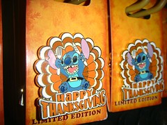 Happy Thanksgiving from Stitch (partyhare) Tags: thanksgiving nyc turkey pin stitch disney limitededition happythanksgiving disneypin disneypintrading