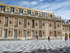 Chteau de Versailles (stukinha) Tags: sky paris france building architecture clouds french gold colorful europa europe floor frana cu dourado versailles nuvens cho chteau franais ouro arquitecture palcio dazzling stuka franaise versalhes stukinha anacompadre thechallengefactory