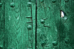 The Green Door /  La Puerta Verde.-