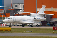 VP-BNS - 609 - Private - Dassault Falcon 900DX - Luton - 091106 - Steven Gray - IMG_3709