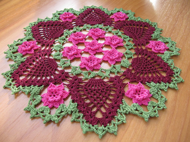 beautiful crocheted tablecloths