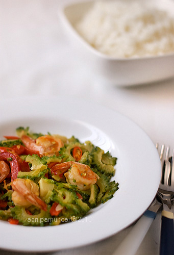 bitter gourd and prawn stir fry