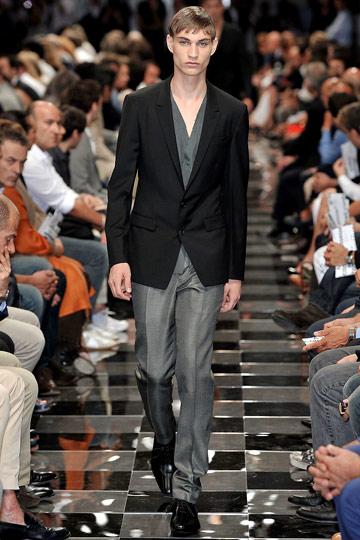 Johannes Linder3037_SS10_Milan_Prada(nymag.com)